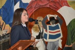 """La Signorina Katalina Gallegos Ravello, alunna della terza superiore """"B"""", presentatrice della ceremonia."""